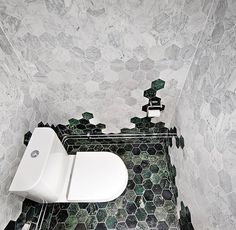 Bricmate U Hexagon Large Carrara Honed, Bricmate U Hexagon Large Green Pol., Bricmate U Hexagon Large Carrara Honed, Bricmate U Hexagon Large Green Polished, Carrara, Interior Architecture, Interior And Exterior, Green Marble, Bathroom Interior Design, Dream Rooms, House Rooms, House Design, Decoration