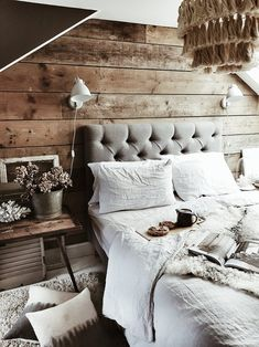 Creating a Relaxed Rustic Bedroom a guide to giving your bedroom a modern rustic makeover Awesome Rustic Furniture and Decorating Ideas Modern Rustic Bedrooms, Rustic Bedroom Design, Rustic Grey Bedroom, Modern Rustic Decor, Bedroom Designs, Rustic Furniture, Bedroom Furniture, Bedroom Decor, Luxury Furniture