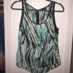 GUESS Like new ! Usually size M. Sometimes depending on shirt I fit into size S. Guess Tops Blouses