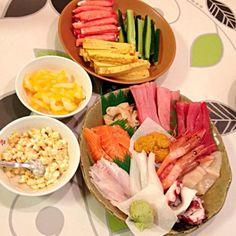 息子の誕生日会(^-^) 手巻き寿司にしました。 - 7件のもぐもぐ - 手巻き寿司 by 460S Sushi Love, Fresh Rolls, Cobb Salad, Keep It Cleaner, Ethnic Recipes, Gardening, Cooking, Food, Kitchen