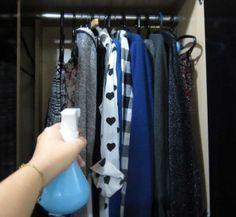 aromatizador-amaciante-10-800x644 - A solução mais eficaz para perfumar a casa inteira ,Roupas secas e molhadas, cama, mesa e banho, cortinas, tapetes e carpetes, diretamente no ar e até para dar aquele cheirinho gostoso no seu carro. 2. GUARDA-ROUPAS Cheirinho de mofo ou de naftalina nunca mais! Não tenha medo de borrifar em roupas e tecidos, o álcool fará o líquido evaporar muito mais rápido!