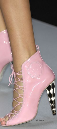 Viktor & Rolf - Spring 2008 - omg I so want these, Tiffany Pink Love, Pink Purple, Hot Pink, Pink Color, Pink Fashion, Fashion Boots, Creative Shoes, Everyday Shoes, Only Shoes
