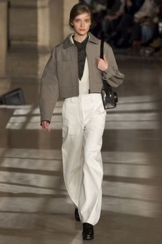 Lemaire Herbst/Winter Ready-to-Wear - Fashion Shows Curvy Fashion, Urban Fashion, Runway Fashion, Fashion Show, Fashion Outfits, Womens Fashion, Fashion Design, Male Fashion, Fashion Clothes