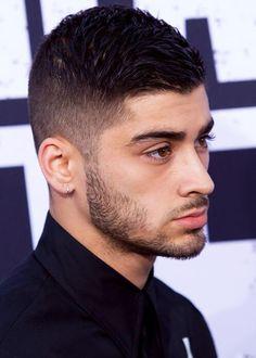 he's so beautiful my eyes hurt 😨 Zayn Mallik, Zayn Malik Pics, Beautiful Men Faces, Beautiful Person, Undercut With Beard, Zayn Malik Hairstyle, Beard Styles, Hair Styles, Straight Outta Compton