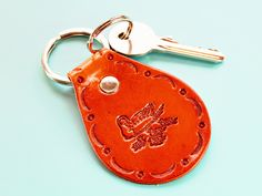 Ducks Keychain, Handmade Leather Keychain, Duck Keyring, Unique Gift For Wife, Duck Gift For Mom, Leather Keyring, Sister Gift, Gift For Mum Leather Bookmark, Leather Keyring, Leather Gifts, Leather Tooling, Handmade Leather, Leather Anniversary Gift, Anniversary Gifts, Cat Keychain, Key Fobs