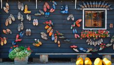 Visit the wooden shoe workshop at the Zaanse Schans! See the clog makers at work in the workshop and learn about the history of wooden shoes in the museum - admission is free.