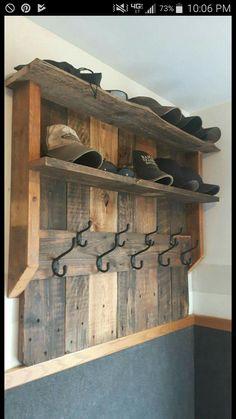 Mud Room/Entry Organizer Pallet Ideas For Bedroom, Pallet Home Decor, Pallet Ideas Shoes, Pallet Ideas For Home, Pallet Ideas For Laundry Room, Diy Storage Ideas For Bedrooms, Wooden Pallet Ideas, Wood Ideas, Wooden Decor