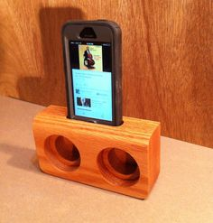 Wooden iphone speakers by bloodwood on etsy iphone table shelves, types Iphone 6, Cool Woodworking Projects, Diy Woodworking, Diy Speakers, Iphone Speakers, Passive Speaker, Speaker Box Design, Support Telephone, Smartphone