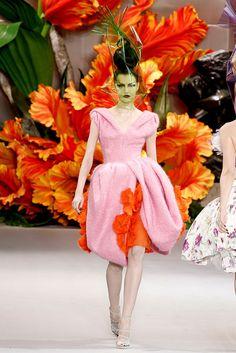Christian Dior Fall 2010 Couture Fashion Show - Nastya Karzan (MARILYN)