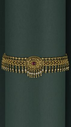 The ornate gold choker fringed with pearl drops Gold Bangles Design, Gold Jewellery Design, Gold Jewelry, Diamond Jewellery, Indian Gold Jewellery, Wedding Jewelry, Gold Temple Jewellery, Pearl Jewelry, Wedding Hair
