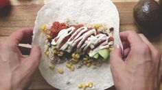 Vegan Burritos - I LOOOOOVe Mexican cuisine and , what's best, recipes are so easy to veganise! The whole family will enjoy them! These vegan burritos will be great for lunch or as a quick weekday meal. They'll be just right! Vegan Mexican Recipes, Healthy Eating Recipes, Whole Food Recipes, Vegan Vegetarian, Vegetarian Recipes, Vegan Burrito, Vegan Dishes, Cooking, Philippe