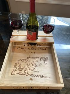 Wooden Wine Boxes, Wooden Crates, Wooden Diy, Wine Crates, Diy Projects Plans, Wood Projects That Sell, Woodworking Projects, Crate Crafts, Wine Caddy