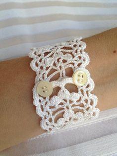 Crochet jewelry 113504853094565905 - Tutorial Crochet Pattern Lace Cuff Bracelet Bracelet Source by sandrinesegala Bracelet Crochet, Lace Bracelet, Crochet Earrings, Flower Bracelet, Lace Necklace, Cuff Bracelets, Pandora Bracelets, Crochet Jewelry Patterns, Crochet Accessories