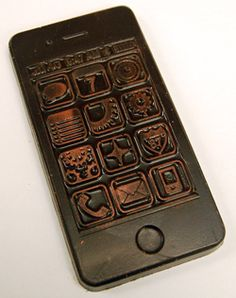 Your favourite cellphone device just got sweeter. Alberta-based Le Chocolatier is raising the bar this #holiday season with a fun new #chocolate #iPhone. The perfect stocking stuffer or small gift for the Apple-lover in your life! No monthly payments, no contract, free text / voicemail, available in white, dark or milk…
