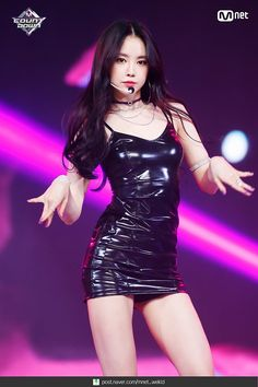 190117 Apink Naeun - %%(Eung Eung) at M Countdown. Pretty Asian, Beautiful Asian Women, Stage Outfits, Kpop Outfits, Kpop Girl Groups, Kpop Girls, Korean Beauty, Asian Beauty, Apink Naeun