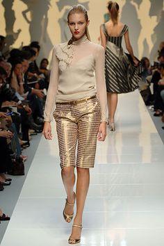 Moschino Spring 2006 Ready-to-Wear Collection Photos - Vogue