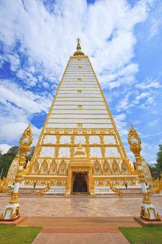 Beautiful Thai temple, Kanchanaburi - Thailand