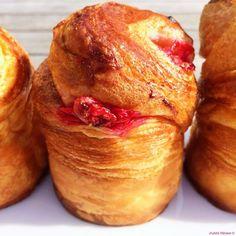 La brioche à la Mode des Philippes... Brioche feuilletée tirée des recettes des Chefs Philippe Urraca et Philippe Conticini ! Elle d-é-c-h-i-r-e ! Celle-ci a en plus des framboises légèrement confites à l'intérieur...! La recette, mais surtout tous les conseils pour la réaliser, c'est sur le blog ! #judithpatisse #philippeurraca #philippeconticini #briochefeuilletee #brioche #gouter #gourmandise #petitdejeuner