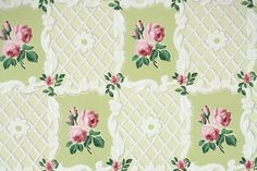 1940's Vintage Wallpaper - Floral Vintage Wallpaper with Pink Rose on Green and White Lattice