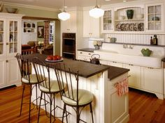 Kitchen Ideas: Pictures, Ideas & Tips From Gather cottage kitchen ideas, and get ready to create a cozy and welcoming kitchen design in your home.Gather cottage kitchen ideas, and get ready to create a cozy and welcoming kitchen design in your home. Updated Kitchen, New Kitchen, Kitchen Dining, Kitchen Cabinets, Dining Room, White Cabinets, Stock Cabinets, Kitchen Bars, Kitchen Updates