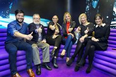 """Spain: Edurne reveals """"Amanecer""""—to a group of experts"""