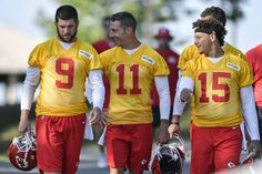 Kansas City Chiefs quarterbacks Tyler Bray, Alex Smith and Patrick Mahomes walked together to Tuesday's practice at Missouri Western State University. Kansas City Nfl, Kansas City Chiefs Football, Football Players, Championship Football, College Football, Justin Houston, Missouri Western, Chiefs Super Bowl, Nfl Championships
