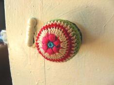 Blog6  Haven't seen this--crocheted covers for cabinet hardware Tutorial  ✿Teresa Restegui http://www.pinterest.com/teretegui/✿