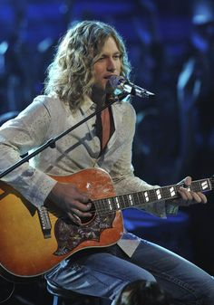 Casey James.  Love that crying on a suitcase song!  <3