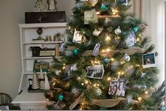 Family Picture Christmas Tree - great idea for old family photos