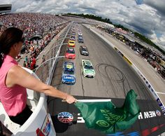 New Hampshire Motor Speedway has found a sponsor. Important for securing the track's future after losing a NASCAR date https://racingnews.co/2017/06/23/new-hampshire-motor-speedway-sponsor-signed/ #newhampshiremotorspeedway