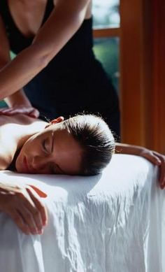 Bamboo Massage Spa in Gatlinburg, Tennessee is located at the Fountain Plaza and offers visitors to the Great Smoky Mountains a place to rest and rejuvenate after a busy day of shopping and playing in Gatlinburg. Bamboo Massage Spa in Gatlinburg provides guests with chair massage, body massage, and foot massage.