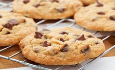 Pret a Manger publishes 'secret' chocolate chip cookie recipe for fans to make at home — The Independent Chocolate Chip Cookies, Secret Chocolate Chip Cookie Recipe, Chocolate Chip Recipes, Biscuits Brownies, Cookies Et Biscuits, Bakery Recipes, Cookie Recipes, Sausage And Egg Mcmuffin, Chips Recipe