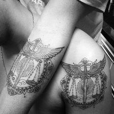 Pai e filho e o amor pela profissão de direito !!! Contato para agendamento e orçamentos 27 999805879 com @bruno_a_luppi - O studio fica em Jardim da Penha - shopping jardins - Vitoria -Espirito Santo #kadutattoo #tattoo #tatuagem #tatuajes #tattoos  #inked #tat #inkblack #tattooed #tattooartist #tattoolife #tattooist #instatattoo #ink #art #tattooart #linework #dotwork #blackwork #blackink #line #inspirationtatto #justice #direito