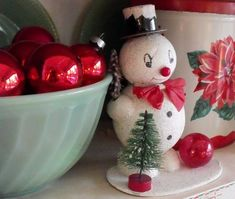 cute vintage snowman in hutch: oodles and oodles