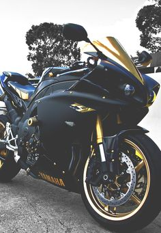 Black and gold Yamaha YZF R1