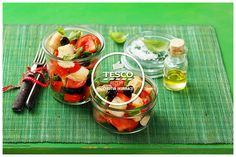 Salát panzanela  http://www.tescorecepty.cz/recepty/detail/115-salat-panzanela