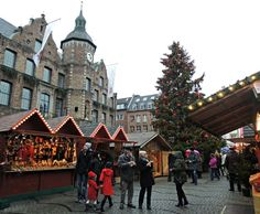 German Christmas Market Inspiration - the delightful Christmas Market in Dusseldorf.  Click on the photo to learn more tips on how to enjoy the Christmas Markets in Germany!