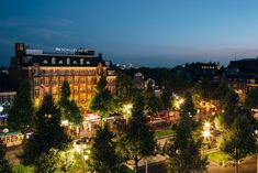 Hotel NH Schiller in Amsterdam aanbiedingen en arrangementen Visit Amsterdam, Van Gogh Museum, At The Hotel, 4 Star Hotels, Front Desk, Hotel Offers, Big Ben, Netherlands, Paris Skyline