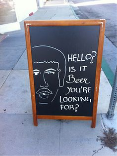 The man on the chalkboard is a mind reader! Funny Bar Signs, Pub Signs, Beer Signs, Easy Alcoholic Drinks, Alcholic Drinks, Beer Memes, Beer Humor, Funny Beer Quotes, Funny Memes