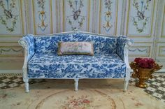 Marie Antoinette French Style Settee Miniature Dollhouse Furniture Scale 1:12 - French Vellum