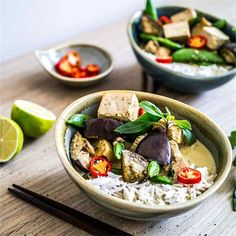 Authentic Thai Green Curry [Vegan] by @DiscoverDelicio - #KeepOnCooking #Entree #Entrée #Rice #Grain #Grains #Soup #Stew #Vegan #Vegetable #Vegetables #Vegetarian