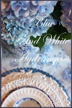 blue and white tablescapes | ... 2010 Labels: Blue And White Hydrangea Tablescape , Summer Tablescapes