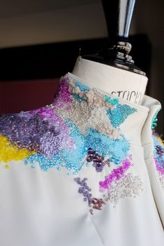 Embroidery by Cristina Peral. Couture Embroidery, Embroidery Fashion, Embroidery Dress, Beaded Embroidery, Hand Embroidery, Embroidery Designs, Couture Fashion, Diy Fashion, Fashion Design