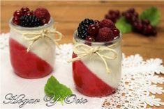 Hogar y Ocio: Vasitos de gelatina, crema de queso y frutos del bosque Churros, Trifle, Mini Cakes, Mousse, Delicious Desserts, Panna Cotta, Raspberry, Pudding, Sweets