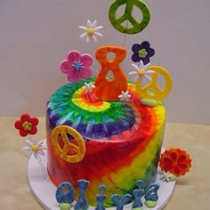 Top tier for Bais bday cake - Tiedye 8th Birthday Cake, Birtday Cake, Sweet Cakes, Cute Cakes, 21st Bday Ideas, Birthday Ideas, Peace Sign Cakes, Hippie Cake, Tie Dye Cakes
