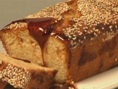"""הכי ישראלי שיש - מירי ארזי (""""מתוקה"""") לסוף השבוע עוגה בחושה ויפהפייה, שכולה טעמי ארץ ישראל, עם טחינה וסילאן - דבש תמרים עסיסי"""