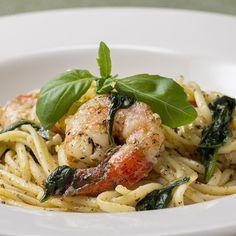 Zesty One-Pot Shrimp Pasta Recipe by Tasty pasta rezept healthy pasta recipes Tandoori Masala, Linguine, Cookies Et Biscuits, Cooking Tips, Meal Prep, Easy Meals, Healthy Eating, Shrimp Pasta, Garlic Shrimp