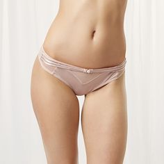 Microfibre thong with gold hardware. Easy to wear fit and no VPL. Style with the matching items from the Laura collection.