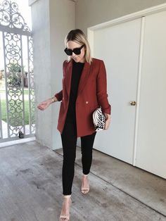 office outfits for ladies Dinner Outfits, Casual Work Outfits, Blazer Outfits, Business Casual Outfits, Mode Outfits, Work Attire, Work Casual, Classy Outfits, Blazer Dress