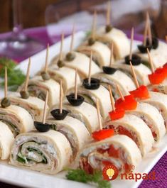 Ingredients 1 pack tortilla wraps 1 pack cream cheese or any bread . - Loading … Ingredients 1 pack tortilla wraps 1 pack cream cheese or any spread spread garlic ham c - Finger Food Appetizers, Appetizers For Party, Finger Foods, Appetizer Recipes, Tortilla Wraps, Party Food And Drinks, Party Snacks, No Salt Recipes, Cooking Recipes